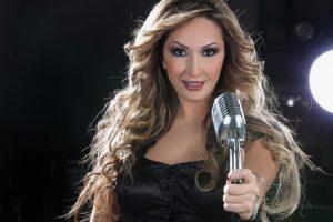 سبب اعتزال المطربة امل حجازي اللبنانية عن الغناء الاسباب الحقيقية تعرف عليها
