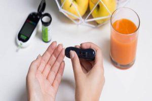 لحماية انفسكم من السكري أوقفوا عصير الفواكه وكلوا من هذه الفواكه الثلاث